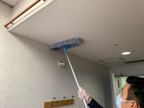 天井除塵作業
