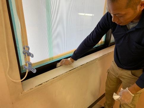 窓サン除塵清拭作業